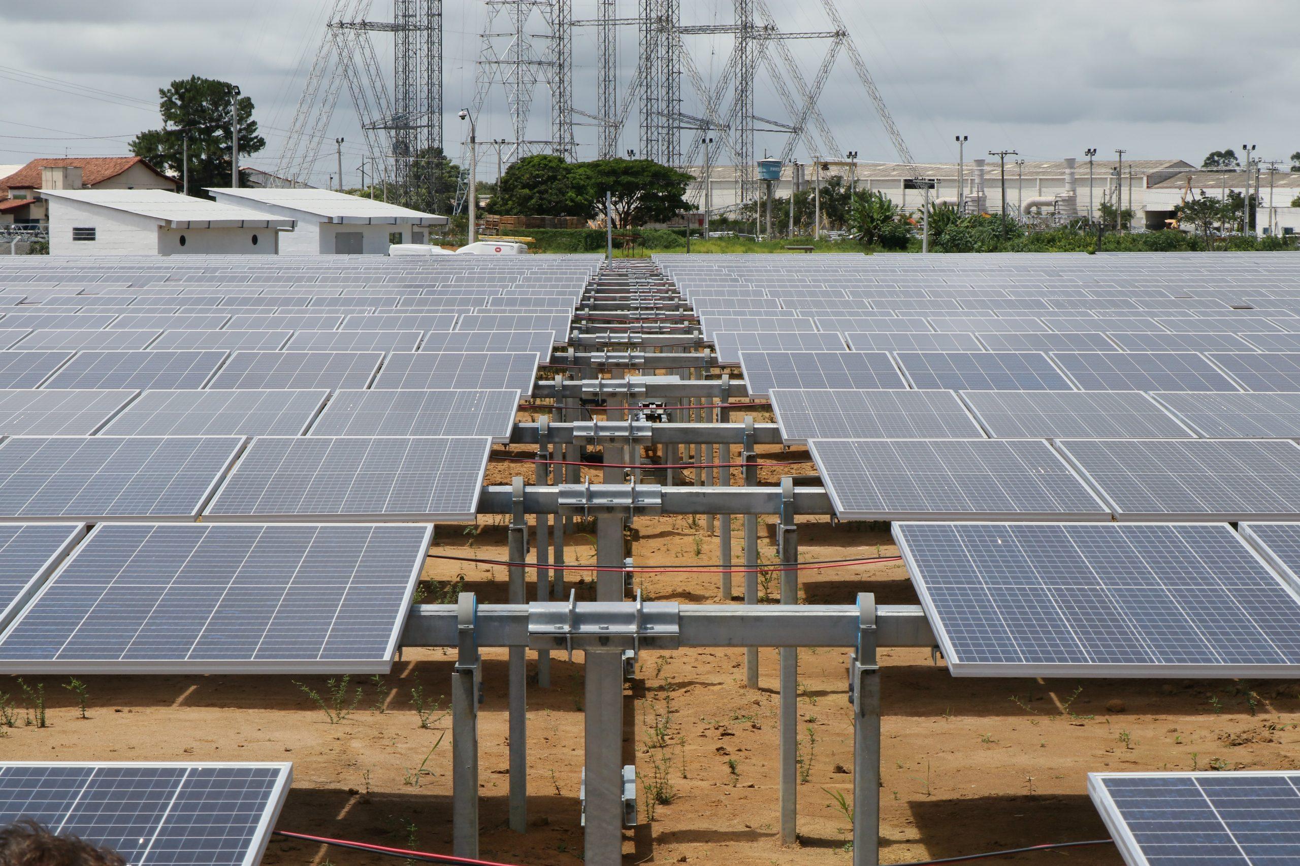 Brasil entra no grupo de 20 países líderes em energia solar