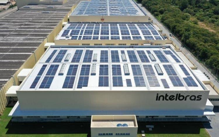 Maior usina solar de teto da Região Sul é inaugurada em SC