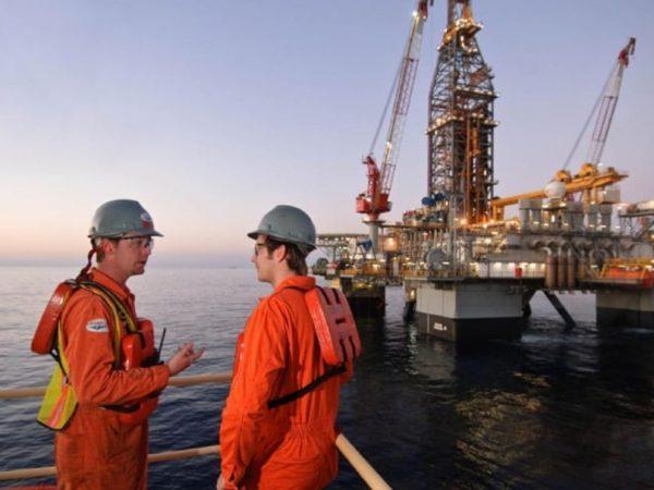 Modec contrata operador de produção, supervisor de instrumentação e controle e engenheiro eletricista, para vagas offshore e para o Rio de Janeiro